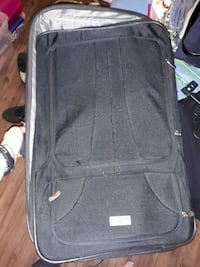 Protege large suitcase rolling  Colorado Springs, 80915
