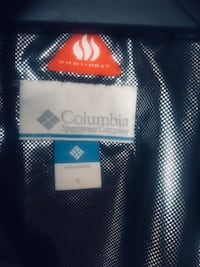 Columbia coat size Small Washington, 20019