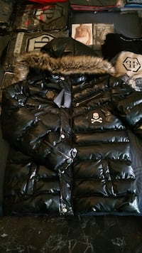 giacca parka con zip nera a bolle