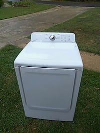 white front-load clothes washer Madison, 35758