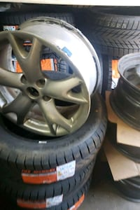 "Nissan rogue single rim 17"" Toronto, M3J 2B9"