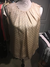 Jones New York polka dot top size 4 Oakville, L6H 1Y4