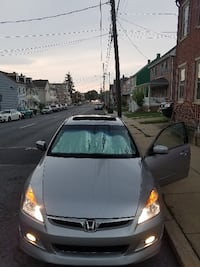 black and gray Honda Civic sedan 152 km