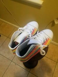 Skechers tennis shoes, rainbow heart woman's 10 New Orleans, 70113