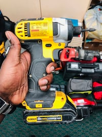 Dewalt Impact Drill W / Battery no Charger !! Negotiable  Baltimore, 21217