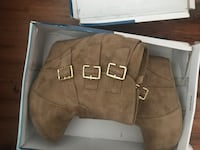 pair of women's brown leather 3-buckled wedge booties with box North Highlands, 95660