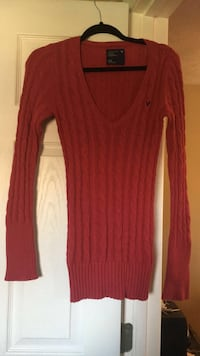 Red v-neck cable knit sweater Harpers Ferry, 25425