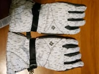 Brand new womens columbia winter gloves size M Falling Waters, 25419
