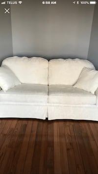 Beautiful Sklar Pepler couch, excellent condition. Non smoking home.  Whitby, L1R 1V9