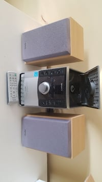 Sony stereo with remote St. Catharines, L2R 3K8