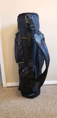 Like new golf bag by affinity  Centreville