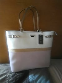 white and brown Guess leather shoulder bag Buena Park, 90620