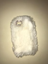 White Fur iPhone 5s case