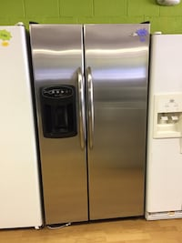 Maytag Stainless Steel Side By Side Refrigerator  Woodbridge, 22191