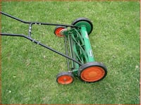 Scotts 20 in. Reel Lawnmower with Grass Catcher