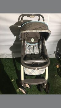 baby's black and white stroller Salinas, 93901