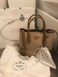 Authentic prada purse,limited edition  Vaughan, L6A