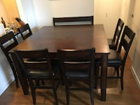 Dining Table Victoria, V8N 2E9