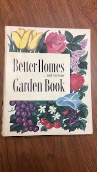 Vintage 1951, 1954 Second Edition Better Homes and Gardens Garden Book, USA  Newark, 43055