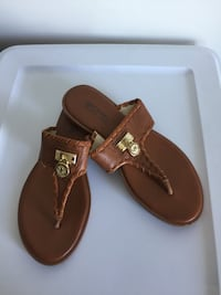 Michael Kors Leather Slip on Sandals. Size 7.5. Burnaby, V5C 2J9