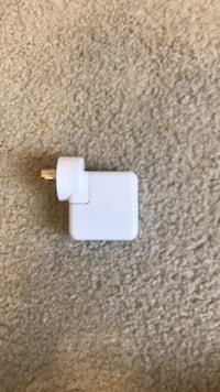 white Apple USB power adapter Silver Spring, 20902