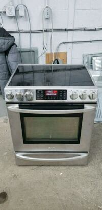 white and black gas range oven Montréal, H1P 1A2