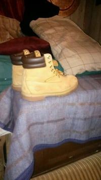 pair of brown Timberland work boots Everett, 02149