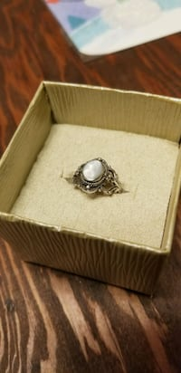 Vintage mother of pearl/sterling ring