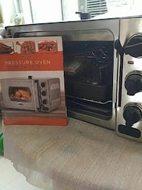 Wolfgang puck pressure oven and accessories  Toronto, M6S 4V3