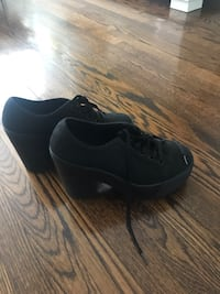 Pair of black low top sneakers. Shellys London. Size 6 Toronto, M9M 2W3