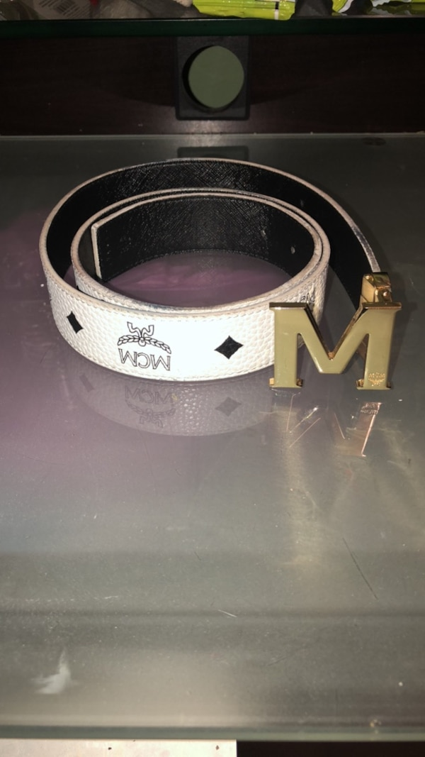 White and black leather louis vuitton belt