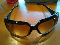 Gucci sun glass retail over 400 only asking 75