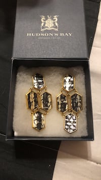 Kara Ross Statement Earrings - Final Price Reduction Mississauga, L4Z 1H7