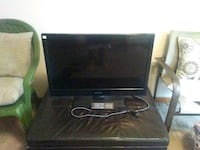 black flat screen TV with remote Fort Walton Beach, 32547