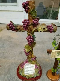 Grape cross with biblical scripture  Shreveport, 71104