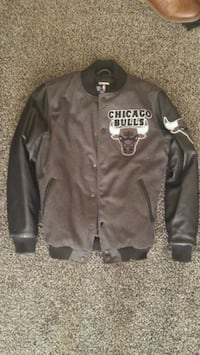 UNK size S Chicago Bulls Letterman Jacket missing2 Chicago, 60629