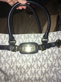 Michael Kors Purse and Wallet  Cathedral City, 92234