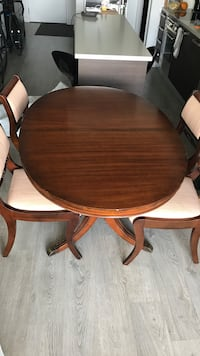 Solid wood table with four chairs dining set Toronto, M6K 0B9