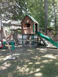 Play house Somerset, 02726