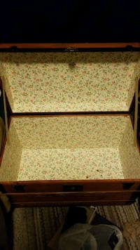 brown wooden framed white and red floral padded bench Hyattsville, 20782