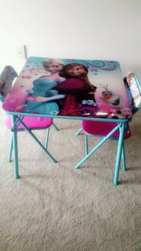 toddler's Disney Frozen table with chairs London, N6H 0B3