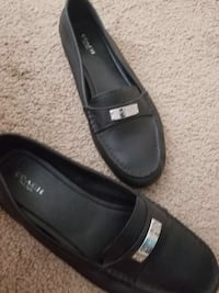 pair of black leather slip-on shoes Yuma, 85364