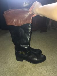 NEVER WORN SIZE 9 boots  Mobile, 36619