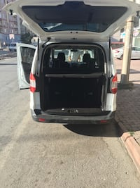 Ford - Tourneo Connect - 2014 9002 km