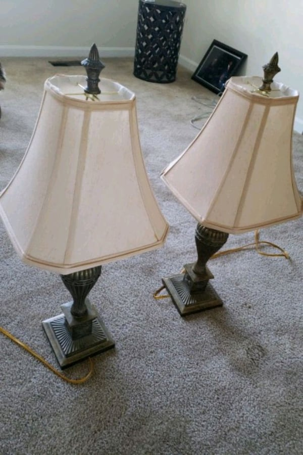 two brown wooden base white shade table lamps 69084782-0097-4c26-ae2d-90c1153e1353