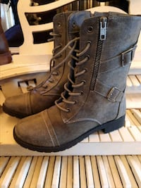 pair of grey faux leather boots Byron, 48418