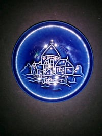 Wall plaque ring dish