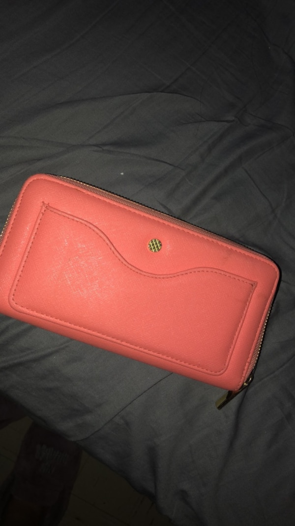 72e3cdbc612 Used pink wallet for sale in Chicago Heights - letgo
