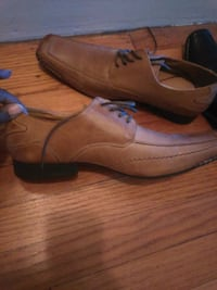 pair of brown leather shoes Hazelwood, 63042