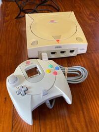 SEGA Dreamcast with Controller,Cords+ Bass Fishing 2